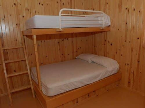Essipit - Chambre d'un chalet du Domaine sportif du Lac Loup