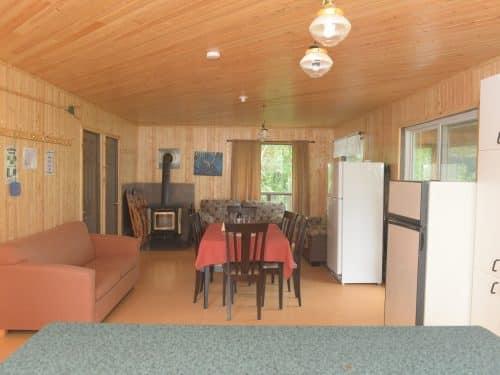 Essipit - Salle à manger de la pourvoirie du Domaine du Lac Bernier