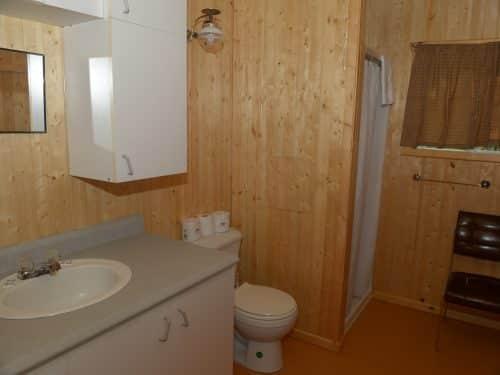 Essipit - Salle de bain pourvoirie du Domaine du Lac Bernier