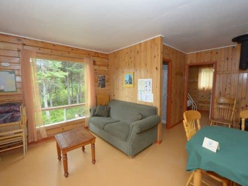 Essipit - Salon d'un chalet du Domaine du Lac des Cœurs