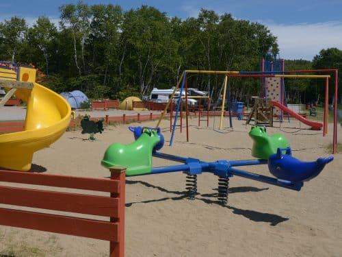 Essipit - Terrain de jeu pour enfants au camping Tadoussac